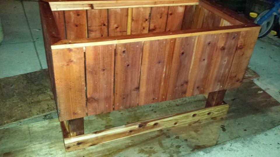 Raised bed elevated redwood garden box